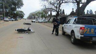 Fuerte choque de motos: ambos conductores sufrieron heridas graves