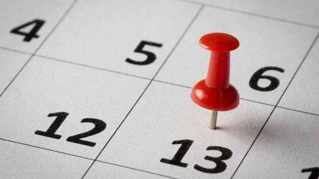 Pasan los siglos y el miedo al martes 13 no cesa