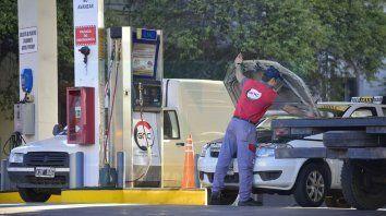 Clientes. El GNC es el más popular, pero su precio se acerca al 50% del valor de la nafta.
