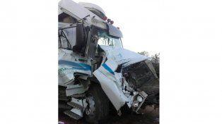Colisión de camiones en la Ruta Nacional 14