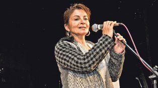 Oradora. Alejandra Miranda