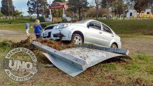 Dos autos colisionaron en el Acceso Norte
