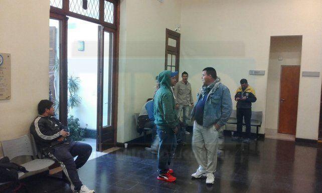Trabajadores de Uocra tomaron la sede del sindicato, en Paraná