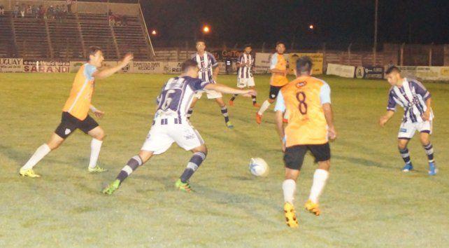 Con esta victoria Belgrano alcanzó a Colegiales en la cima de las posiciones.
