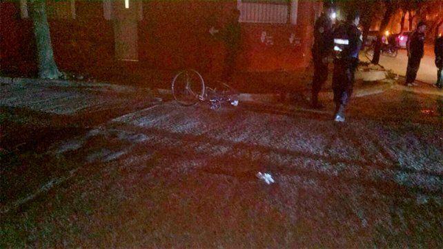 Una joven fue encontrada desvanecida en la calle y con un golpe en la cabeza
