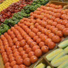 Especialista advierte sobre los efectos de químicos en alimentos