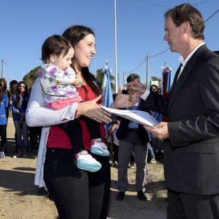 Derecho. El pueblo nos eligió para cumplir el sueño de la vivienda propia, resaltó el gobernador.