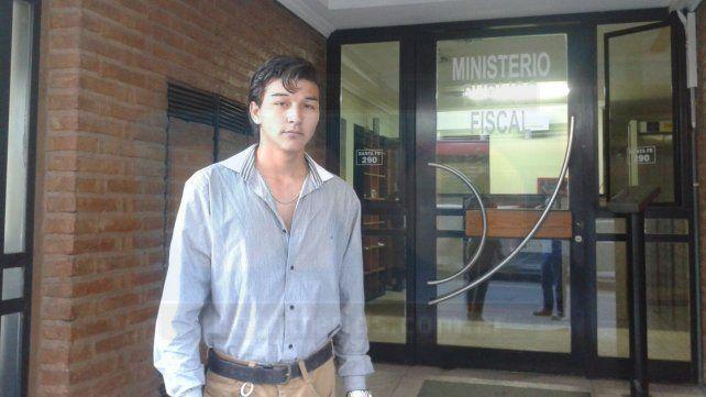 Indignado. A Leonardo le contaron en el Ministerio de Salud que hay seis personas desaparecidas.