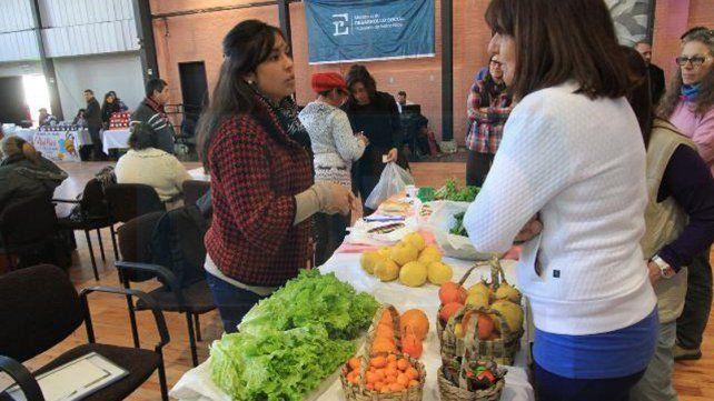 Promoverán la incorporación de la agricultura familiar en el Código Alimentario Argentino