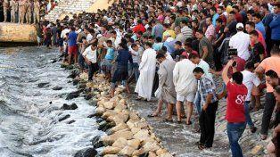 Casi 150 muertos por el naufragio de un bote con migrantes