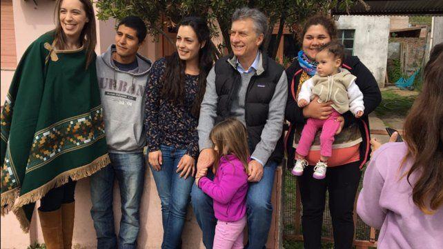 Junto a Antonia, Mauricio Macri encabezó un nuevo timbreo de Cambiemos
