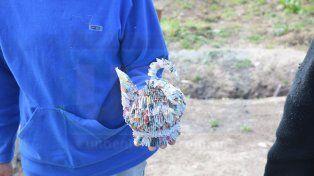 El cisne que creó un interno con papel a través de la técnica origami.