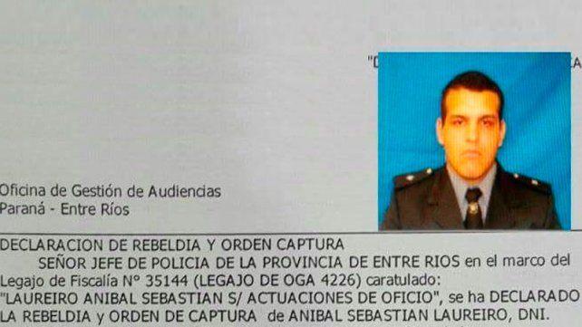 Ordenaron la captura de un policía acusado de robar una moto en Paraná