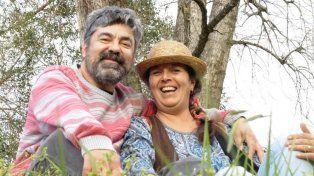 Juntos. Ana María inaugura los relatos del libro que comparte con Felipe.