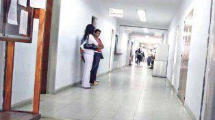En los pasillos del edificio los cuestionamientos se hacen escuchar.