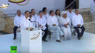 Después de 52 años, el gobierno de Colombia y las FARC firmaron la paz