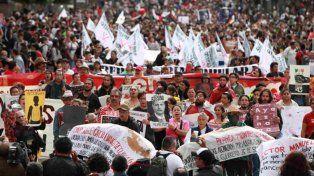 Miles de mexicanos volvieron a pedir justicia a dos años de la desaparición de los 43 estudiantes