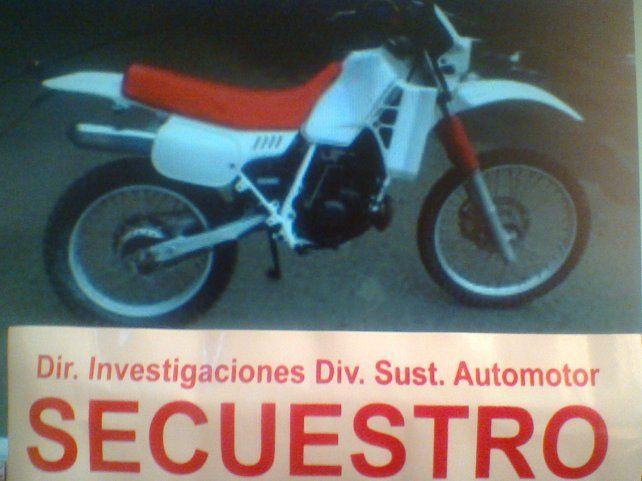 Llevó la moto a la verificación con los números de cuadro y motor adulterados