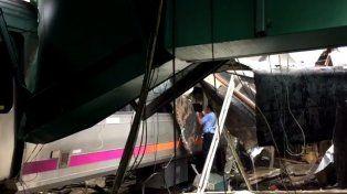 Al menos cinco muertos y un centenar de heridos al estrellarse un tren en Nueva Jersey