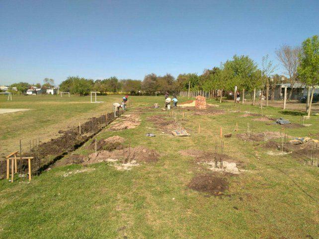 Los cimientos de las tres rampas en el polideportivo de Hernandarias. Foto Facebook.