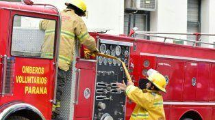 Impactantes fotos del incendio en la escuela Rivadavia