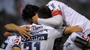 Quilmes consiguió su primera alegría ante Olimpo