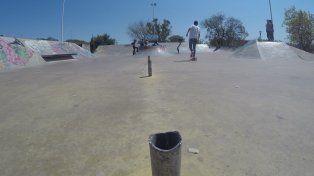 Solo quedan los restos de la baranda en el skatepark de Paraná. Foto UNOJuan Manuel Kunzi.