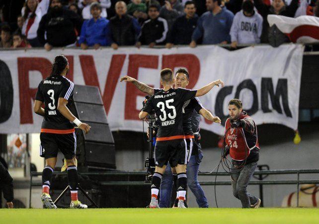 River goleó a Vélez