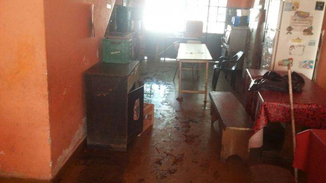 Padres de alumnos de la escuela Rivadavia acudieron a la Justicia y se movilizarán este martes