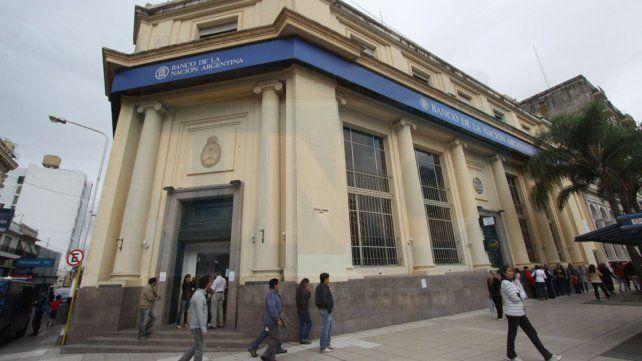 Bancarios llevan adelante medidas de fuerza en el país