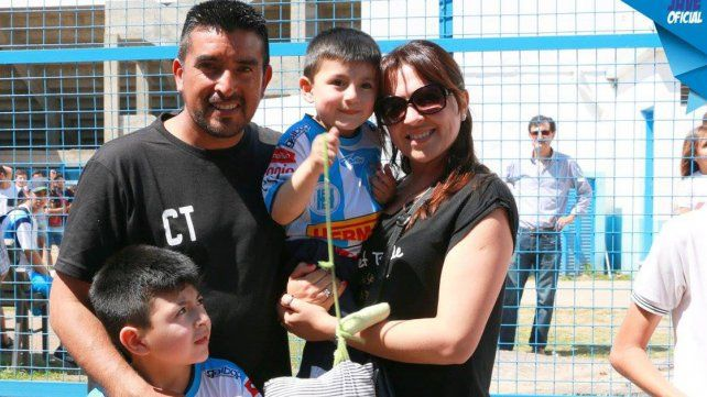 El Beto junto a su familia
