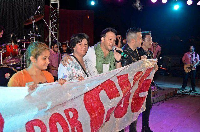 Banda XXI se solidarizó con la familia de Gisela en Santa Elena