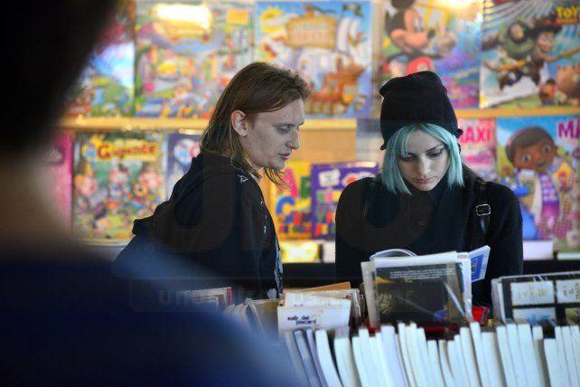 La Feria del Libro de Paraná tuvo su primera jornada en la Sala Mayo