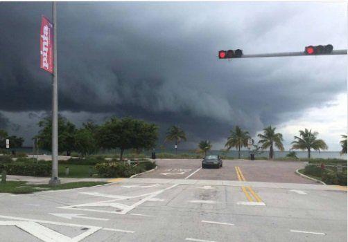 Entrerrianos en Miami: Las calles están vacías, no hay combustible ni luz