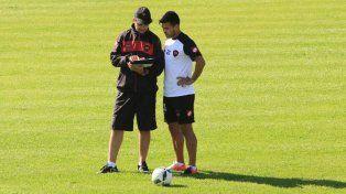 El chileno Espinoza cumplió dos fechas de suspensión y está para regresar en Patrón.