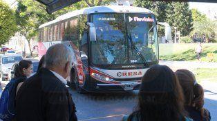 Refuerzan el servicio de colectivos entre Paraná y Santa Fe