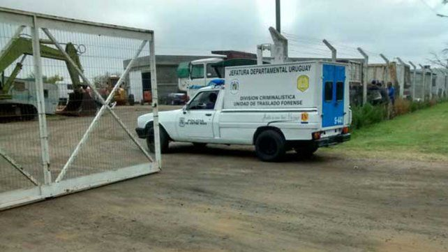 Un trabajador murió aplastado por las ruedas de un máquina vial