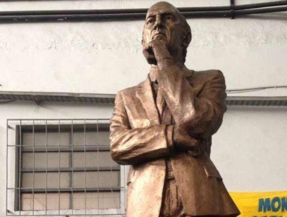 Bianchi tiene su estatua en la Bombonera