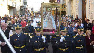 Fiesta patronal. La procesión unió la parroquia Sagrado Corazón y la catedral metropolitana.