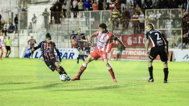 Felipe Cadenazzi le anotó un gol a Chacarita en la temporada pasada. Hoy buscará repetir en Villa Maipú.