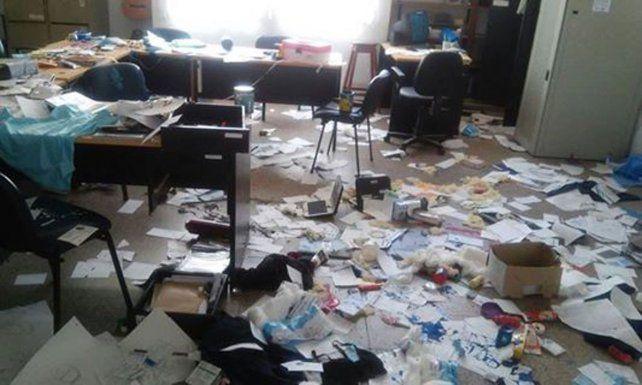 Ingresaron a una escuela de Urdinarrain y provocaron graves destrozos