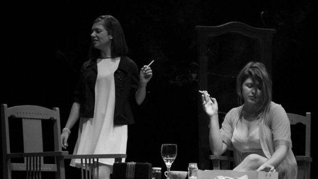 Protagonistas. Las actrices Natalia Den Dauw y Evelyn Bergamaschi dan vida a Mercedes y Ana.