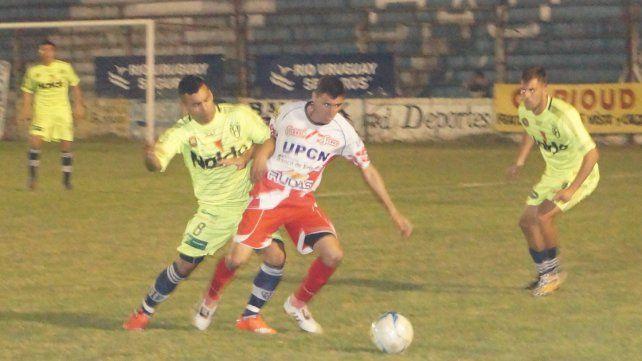 El partido fue anoche en el Plazaola y triunfó el equipo de Concepción.