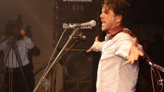 Tras un show, un cantante de folclore atropelló y mató a un ciclista