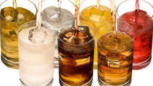 Quieren penalizar con impuestos a las bebidas azucaradas