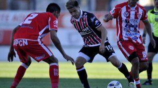 Ante Chacarita Atlético Paraná exhibió una de sus mejores versiones en la categoría.