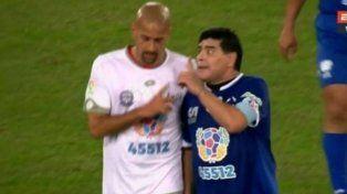 En el Partido por la Paz, Maradona se peleó con la Brujita Verón