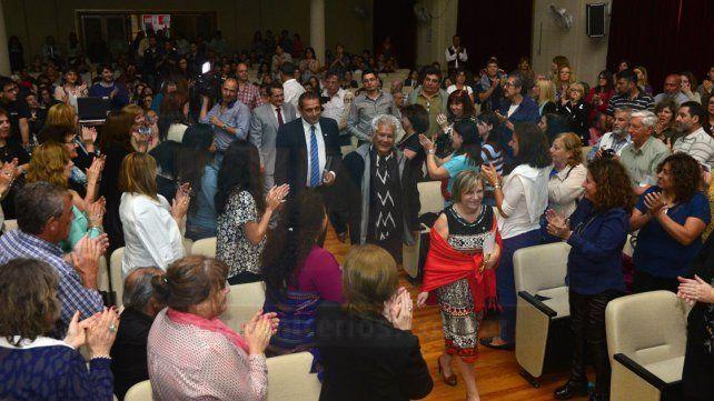 La Uader honró a Víctor Heredia con el título de Doctor Honoris Causa