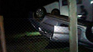 Tras esquivar una comadreja volcó el vehículo en el que viajaba