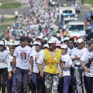 Desde 1983. La procesión va sumando fieles con el paso por cada pueblo.